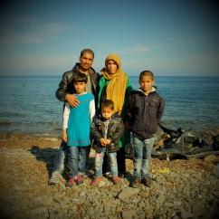 00010Rhaman y Nazira de Afganistán con su hija Yosama y sus hijos Rami, Benjamín Quieren ir a Suiza