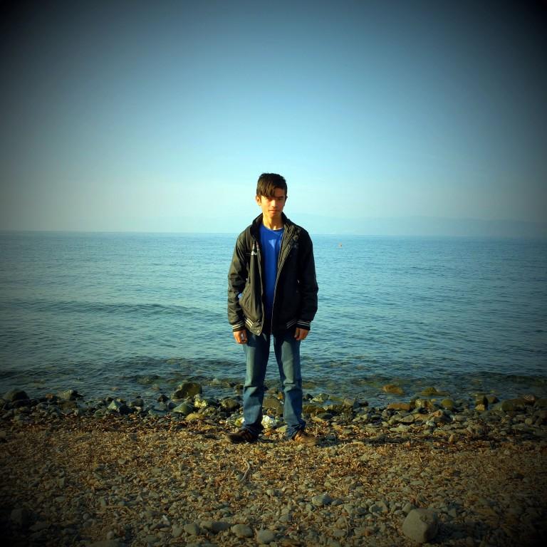 00015Abdoul Fasi de 15 años, procedente de las afueras de Kabul, en Afganistan quiere estudiar en Austria, su família está en Irán