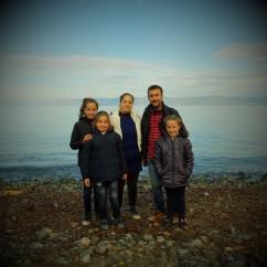 0013 Mohamed ,su mujer Toaren y sus hijas Aisal, Samira, Seran procedentes de Alepo , Siria quieren ir a Suiza o Finlándia